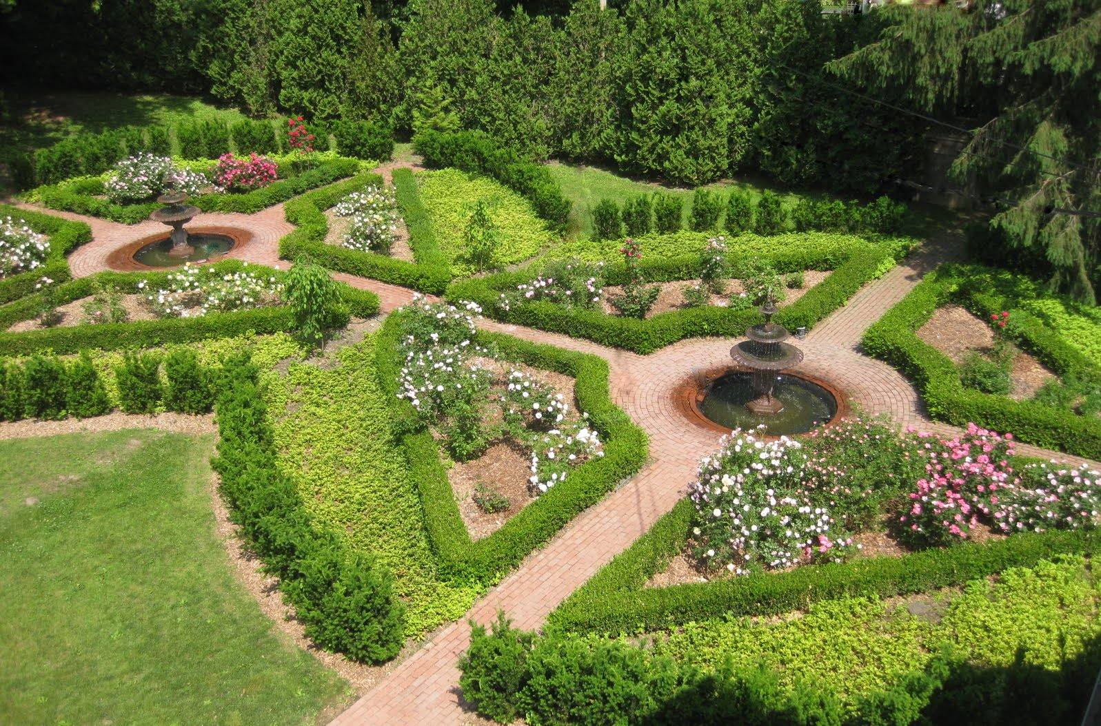 from parking lot to rose garden - Garden Design Birds Eye View