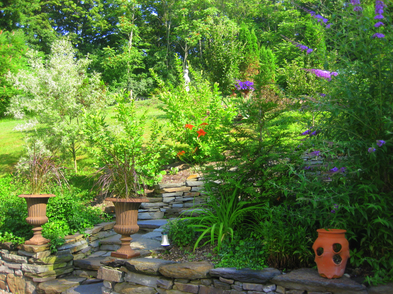 Garden path ideas on a slope viewing gallery - Ideas for gardens on a slope ...