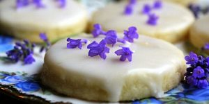 Easy Lavender Shortbread Cookies