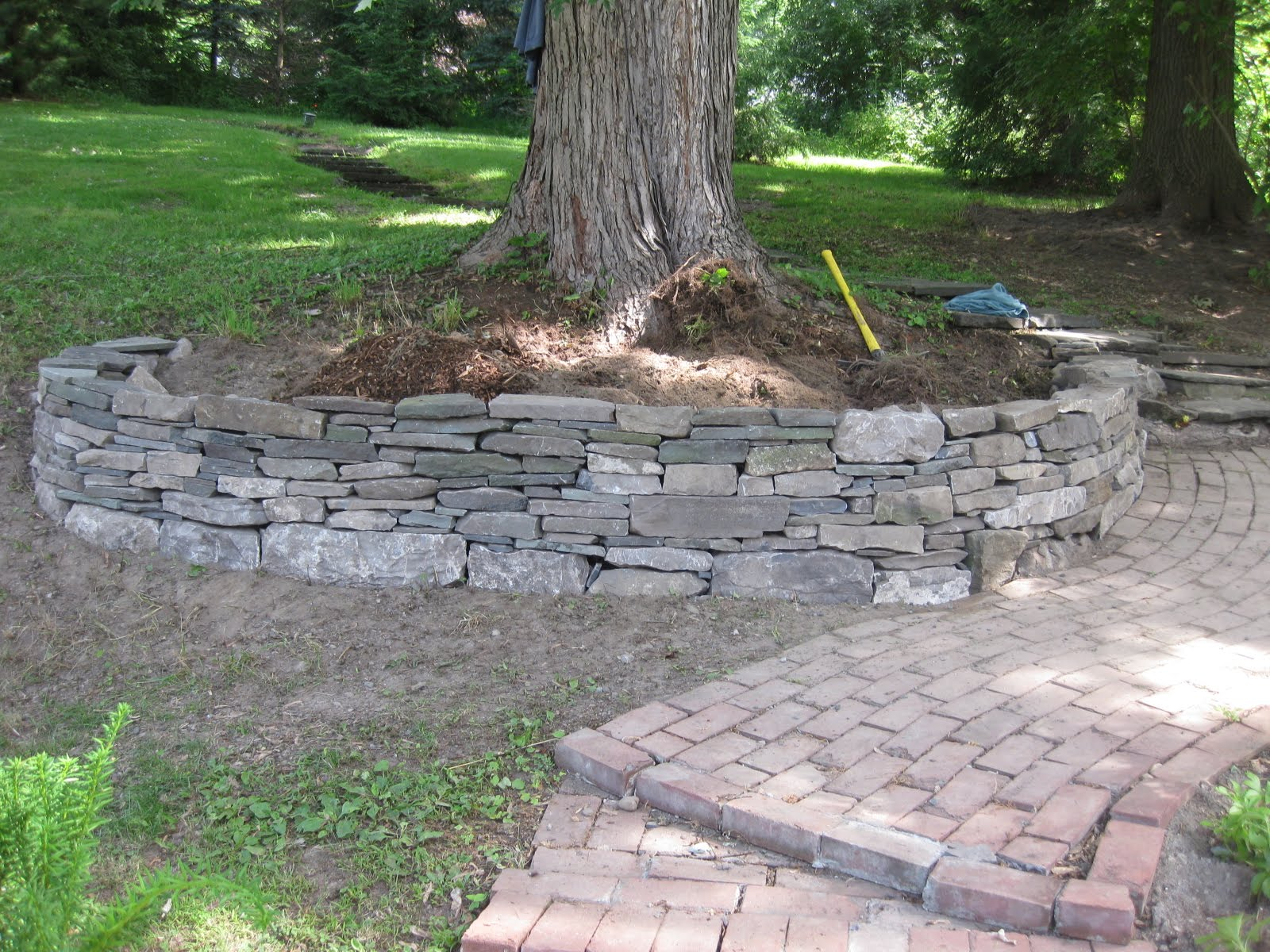 Making A Retaining Wall For A Tree