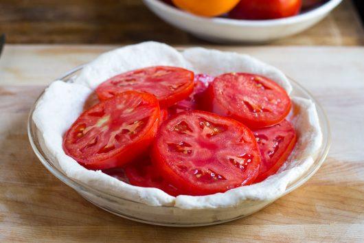 tomato pie arrange toms on crust 9-02-16