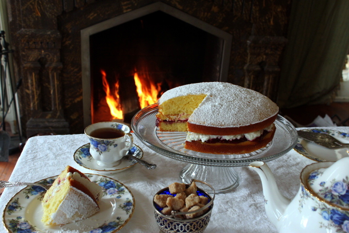 Afternoon Tea: Victoria Cake