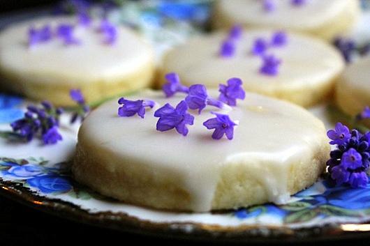 Easy Lavender Shortbread Cookies