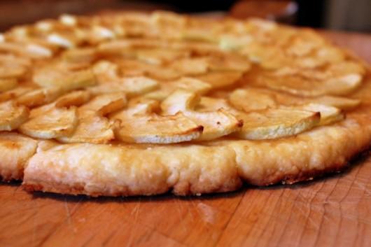 My Favorite Apple Recipes -- Apple Shortbread Pizza