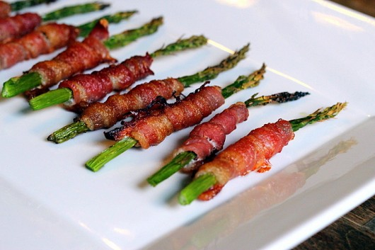 Bacon-Wrapped Asparagus, see more at http://homemaderecipes.com/course/appetizers-snacks/12-thanksgiving-appetizers/