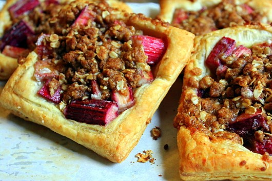 Rhubarb Streusel Puffs My step-by-step recipe!