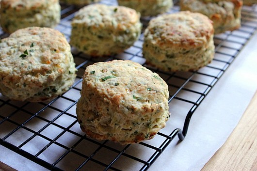 Herbed Cottage Cheese Biscuits