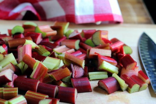 rhubarb sauce chop rhubarb picassa