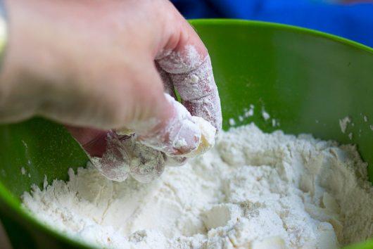 blueberry peach cobbler rub butter into flour 7-29-16