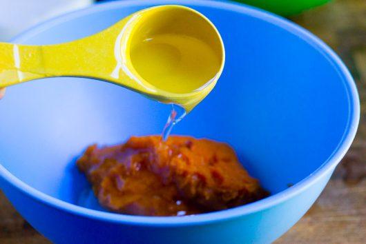 pumpkin-muffins-add-pumpkin-and-oil-9-27-16