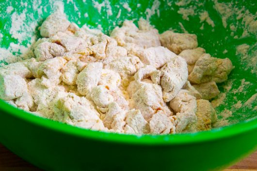 sesame-chicken-31-toss-chicken-in-flour-mixture-10-27-16