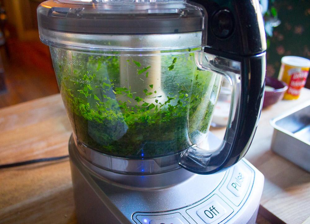 parsley-parmesan-bread-mincing-in-fp-11-14-16