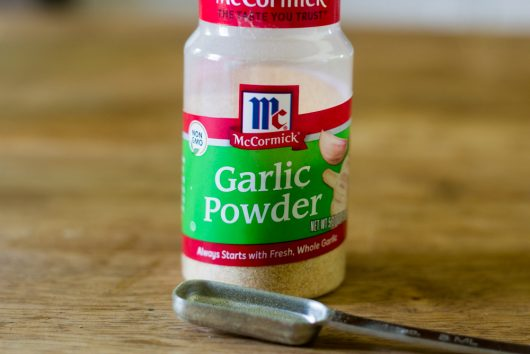 garlic powder for Keto Meatza Pizza