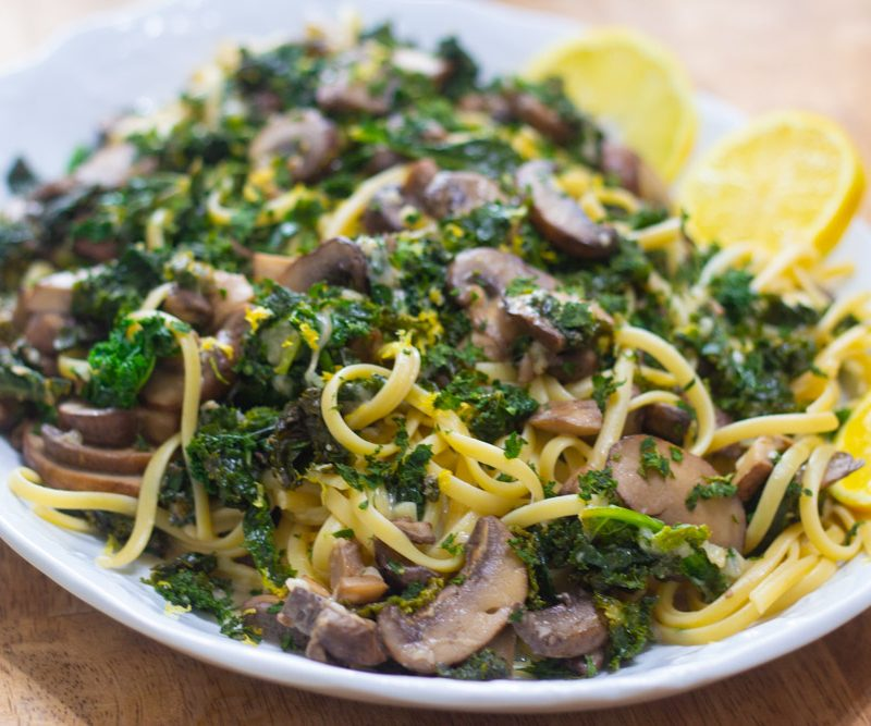 Linguine with Mushrooms and Kale